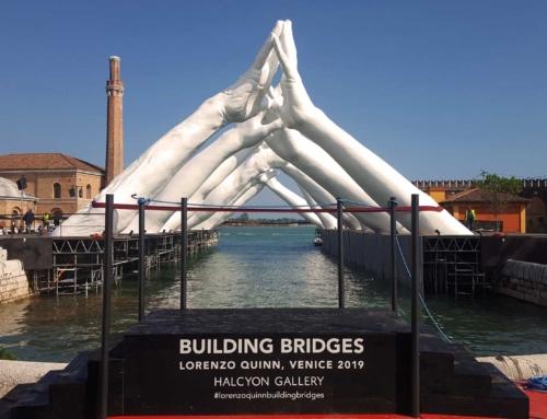 Building Bridges, Lorenzo Quinn – Venice